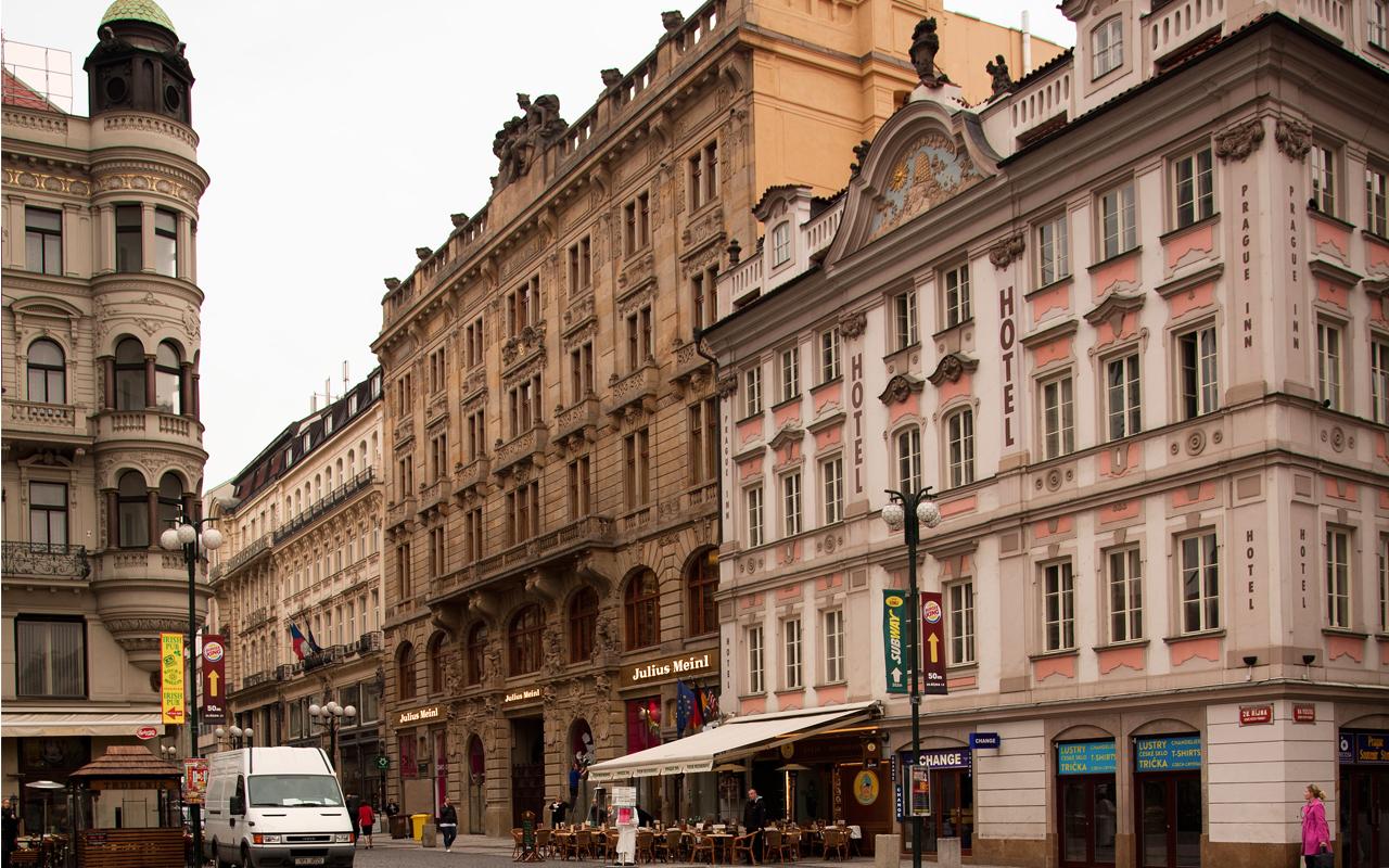 Julius Meinl, Prag